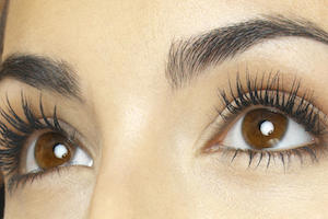 Brows And Lashes Treatments In Worthing At Laroma Therapies