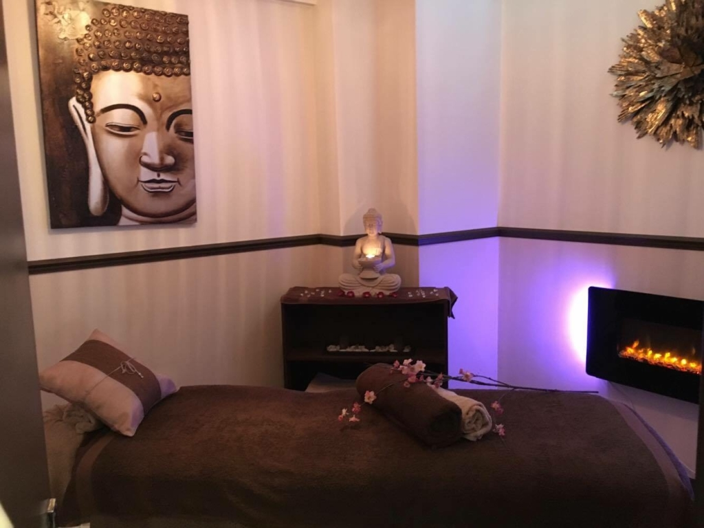 Laroma Therapies Worthing Massage Treatment Room
