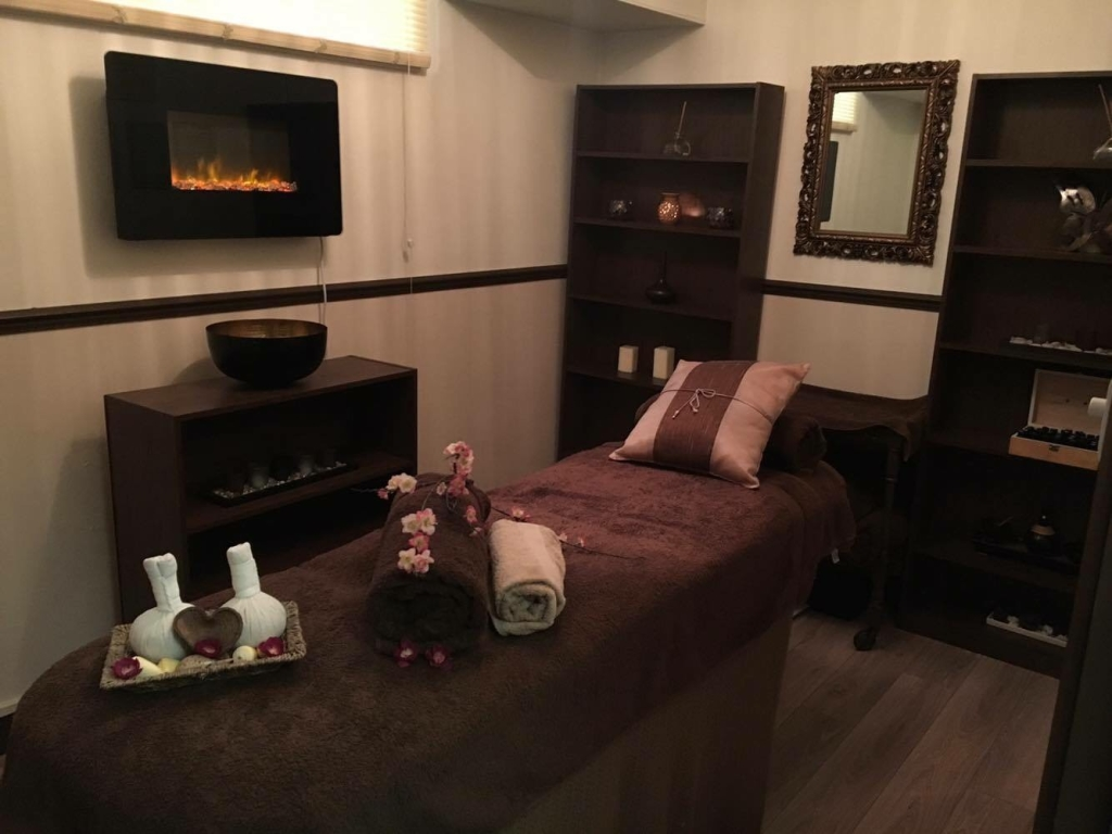 Laroma Therapies Worthing Treatment Room